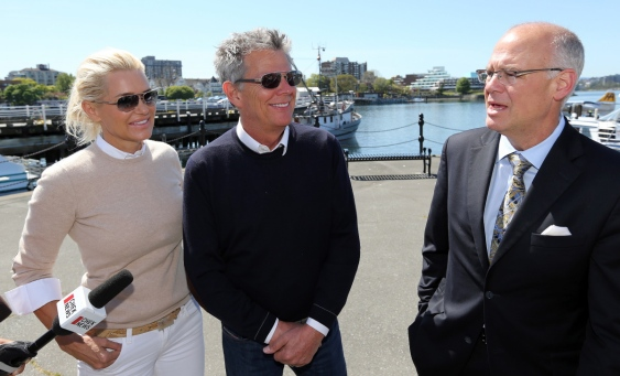 David Foster donates ,000 to Victoria harbour pathway named for him - Times Colonist